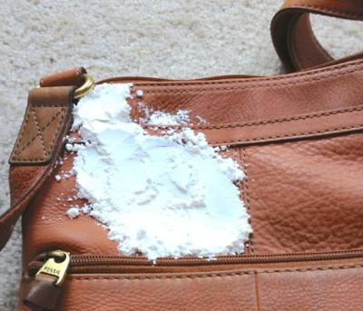 How to remove an old oil stain from your leather handbag